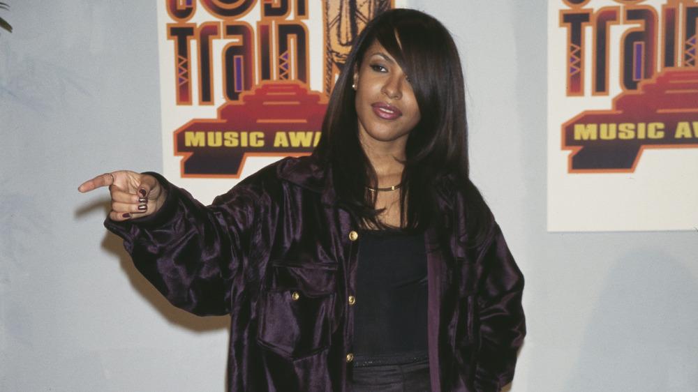 Aaliyah agli undicesimi Soul Train Music Awards