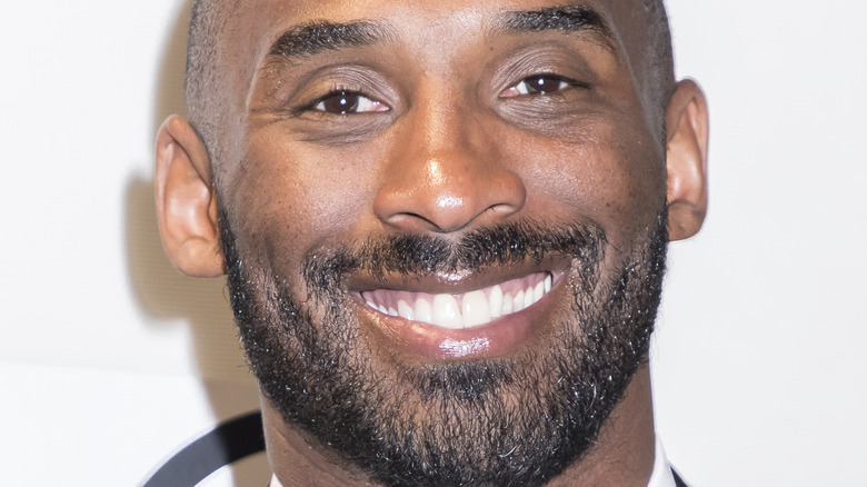 Kobe Bryant sorride