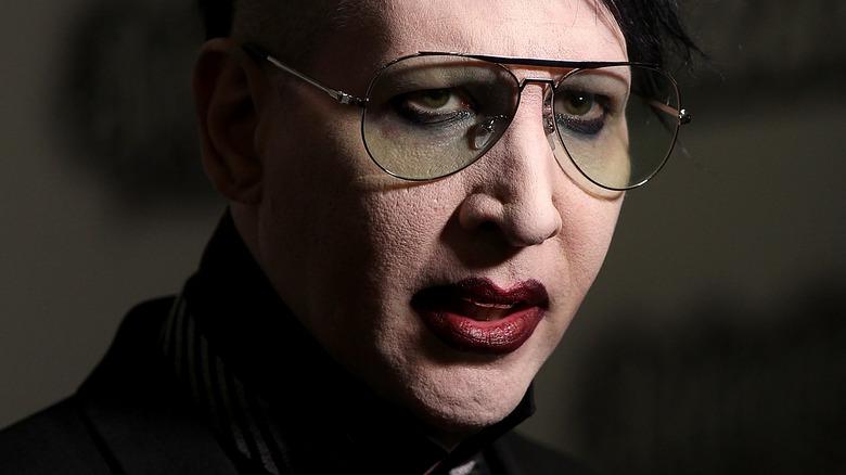 Marilyn Manson che canta