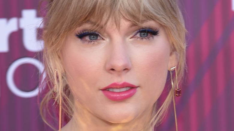 Taylor Swift in posa per le telecamere