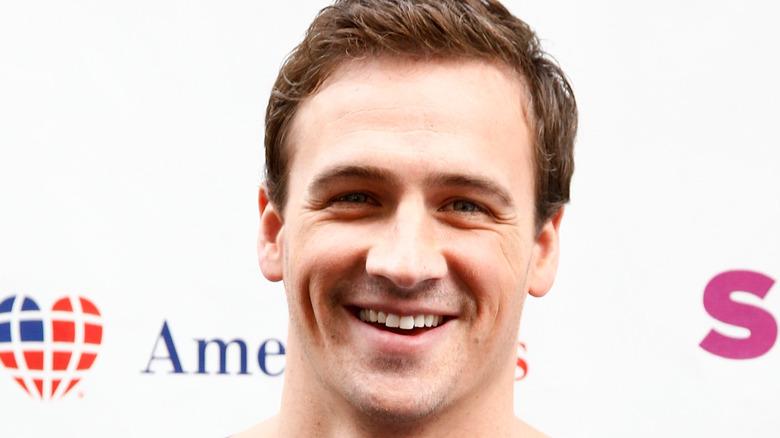 Ryan Lochte sorride