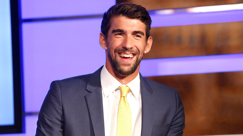 Michael Phelps sorride