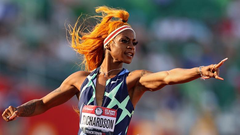 Sha'Carri Richardson festeggia dopo aver vinto la pista