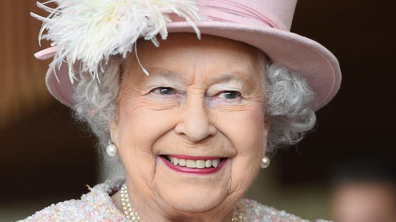 Regina sorridente