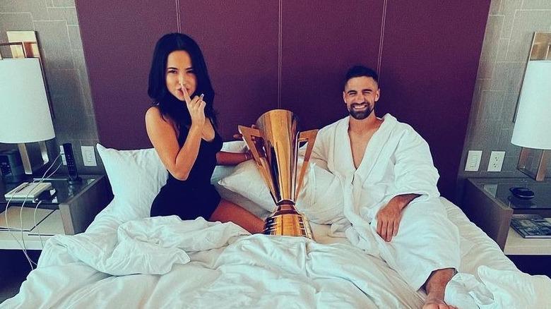 Becky G e Sebastian Llet si mettono a letto