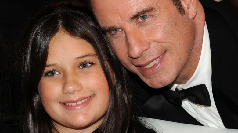 Ella e John Travolta posano per una foto