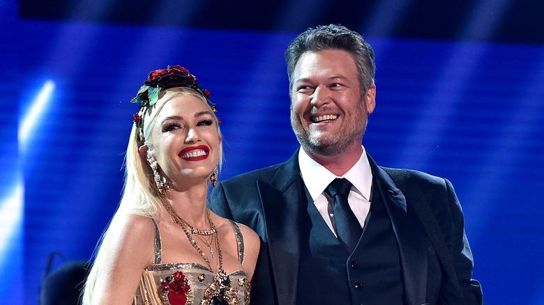 Gwen Stefani Blake Shelton si esibisce ai Grammy